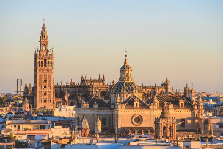 Andalusien Sehenswürdigkeiten Kathedrale Sevilla
