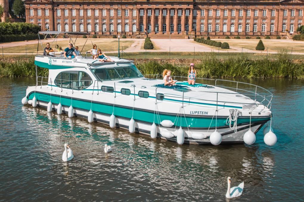 Sehenswürdigkeiten vom Hausboot sehen
